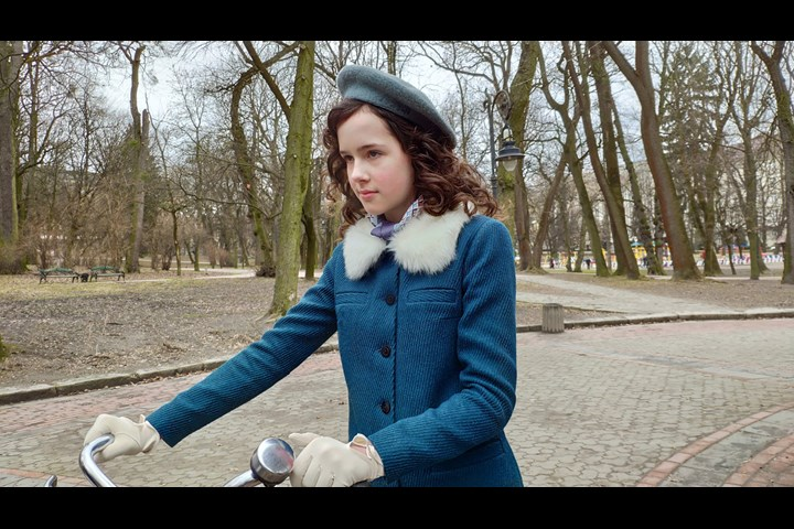 Eva.Stories - Holocaust Memorial Day - K's Galleries