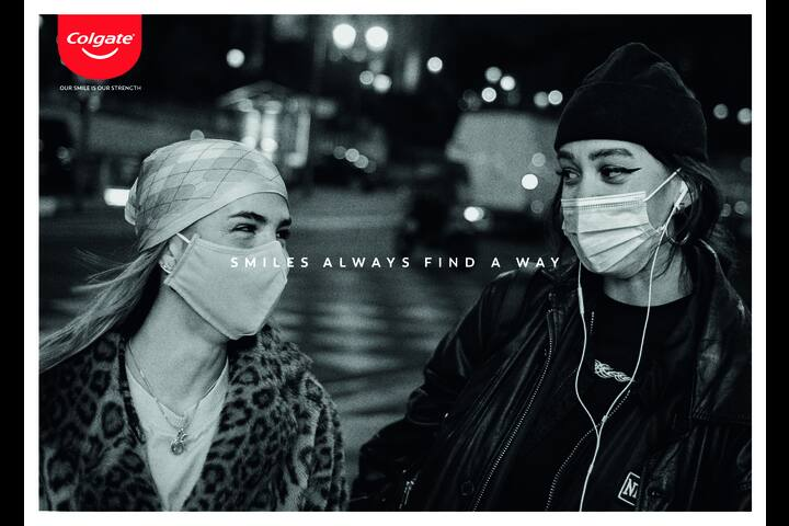 Smile always find a way - Friends - Colgate - Colgate