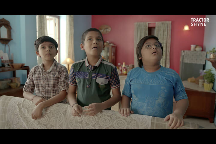 Tractor Shyne Holiday - Asian Paints - Asian Paints