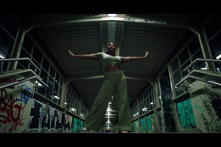 Safe - Spingun Film - Leo Adef