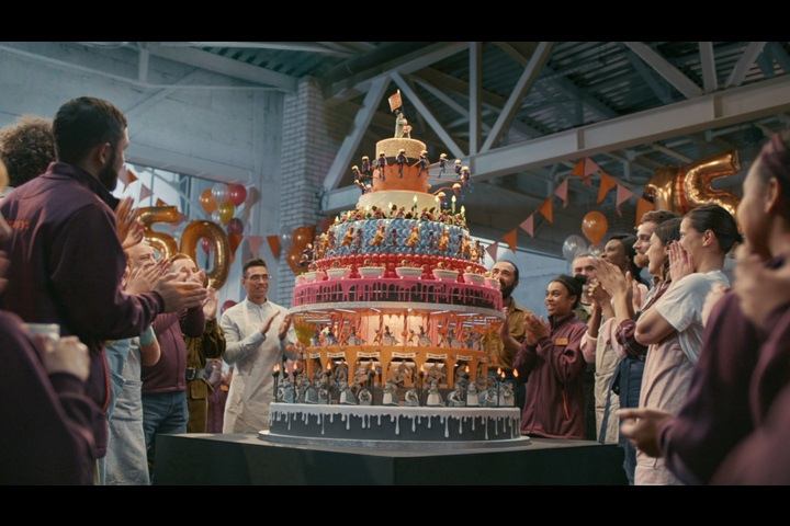 150 Birthday Cake - Sainsbury's - Sainsbury's