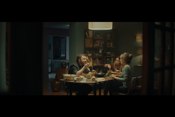 Bleep - Episode 2 Family dinner - CANAL+ - CANAL+
